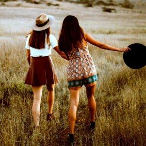 Jei tavo draugė turi šias 8 savybes - niekada jos nepaleisk
