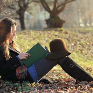 KONKURSAS BAIGTAS. Įstok į PANELĖS spalio mėnesio knygų klubą ir laimėk 1 iš 3 puikių knygų!