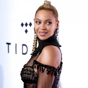 O, ne, Beyonce... Ir tu pakliuvai į dirbtinumo liūną (FOTO)