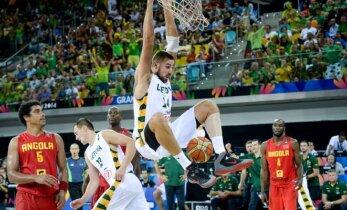 ЧМ по баскетболу: Литва стартовала с двух побед, украинец побил рекорд Сабониса