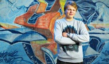 Rankos netekęs 19-metis joniškietis: mąstykite pozityviai(INTERVIU)