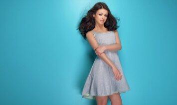 """To dar nebuvo: suknelė, dėl kurios <span style=""""color: #ff0000;"""">""""išprotėjo"""" internetas</span>(FOTO)"""