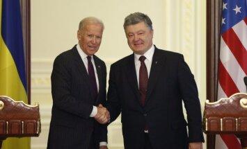 JAV viceprezidentas Joe Bidenas ir Ukrainos prezidentas Petro Porošenka