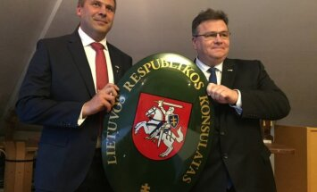 Opening of honorary consulate in Turku, HC Tomis Taipale and ForMin Linkevičius