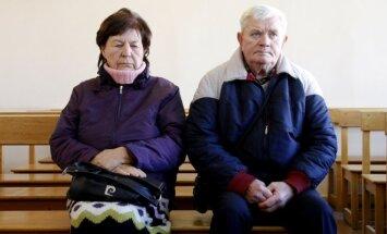 Ratas apsisuko: pedofilija kaltinami Kedžio tėvai stojo prieš teismą