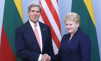 Johnas Kerry, Dalia Grybauskaitė
