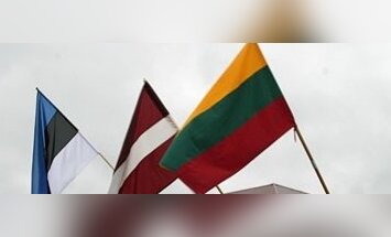 Estijos, Latvijos ir Lietuvos vėliavos