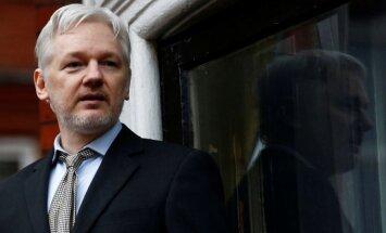 J. Assange'as
