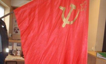 Policijos nukabinta sovietinė vėliava
