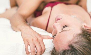 Labiausiai vyrus kaitinantys dalykai, kuriuos verta išbandyti lovoje