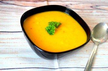 Moliūgų sriuba su vienu netikėtu ir labai skaniu ingredientu