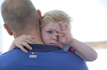 Vaikas mėgsta zirzti ir verkšlenti? – Psichologė turi patarimą