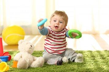 10 žaidimų, kurie suteikia naudos kūdikio raidai