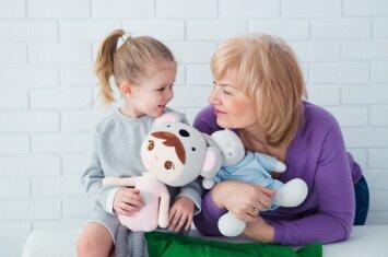 Psichologė: tėveliai, neatimkite iš vaiko močiutės