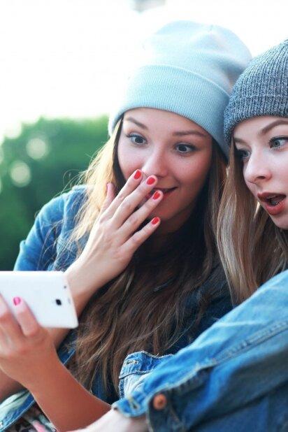 """Būtent TAI sparčiausiai """"valgo"""" tavo mobiliojo telefono bateriją - išvenk nepatogumų!"""