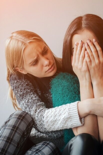 """""""Draugo laiškuose"""" – atsakymai į kasdienes jaunimo psichologines problemas"""