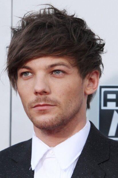 "Dėl ""One Direction"" nario Louiso Tomlinsono nuotraukos pasaulis eina iš proto (FOTO)"