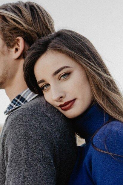 Aklas pasimatymas: 6 ženklai, kurie rodo, kad vaikinui nepatikai