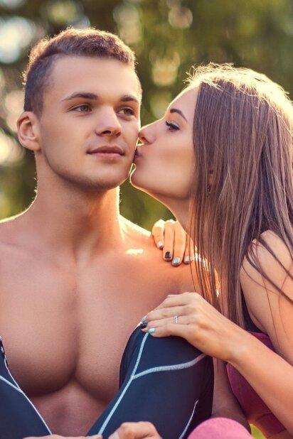 6 patys geriausi būdai, kaip priversti jo mintis suktis tik apie tave