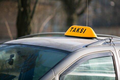 Kelionė taksi keiksmažodžių lietuje: gaila kito keleivio