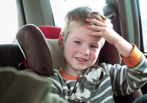 Važiuojant supa ir pykina: kaip padėti vaikui