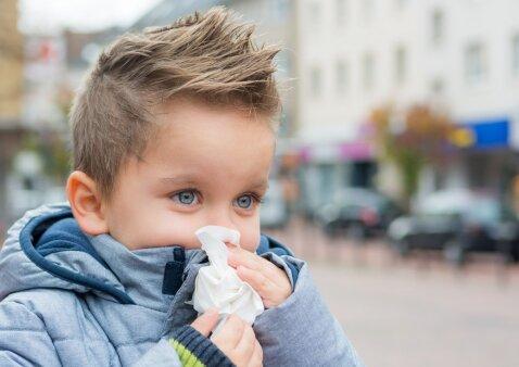 Vaikas čiaudėja: kokią ligą tai signalizuoja