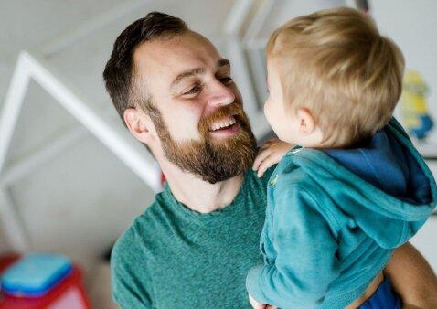 Pažintis su ypatingu 3 vaikų tėčiu: ne tik mamos turi intuiciją