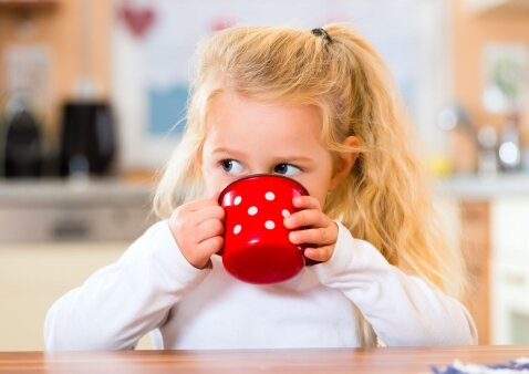 Kai vaiko organizmui ima trūkti skysčių