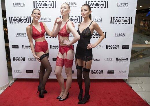 Asta Valentaitė pristatė seksualių apatinių drabužių kolekciją