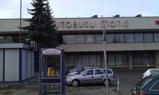 Talino ir Vilniaus autobusų stotys: raskite dešimt skirtumų