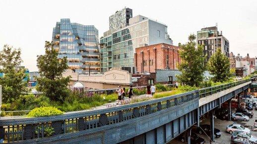 """Parkas """"High Line"""" Mėsinių rajone yra įkurtas vietoj apleistų traukinio bėgių"""