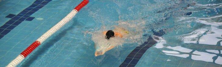 Baseino instruktorius: kartais sunkiau dirbti su jau mokančiais plaukti