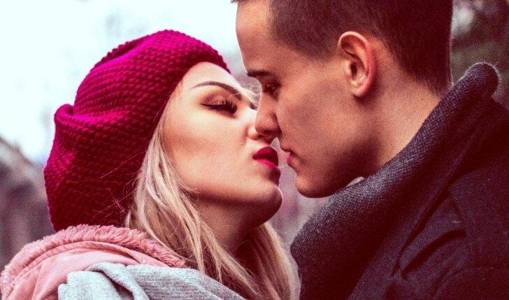Kartok šiuos 8 sakinius, jei nori, jog vaikinas tave beprotiškai įsimylėtų