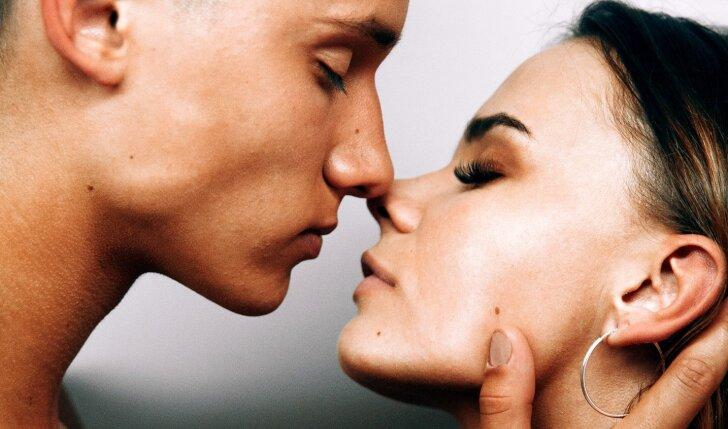 8 bučinių metodai, po kurių jis garantuotai tau pradės kažką jausti