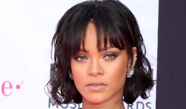 OMG! Rihanna palikta ant ledo: ją išdavė dėl kitos merginos (FOTO)