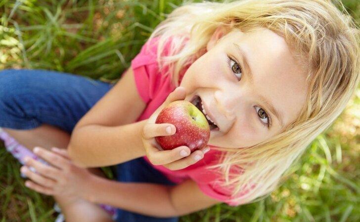 Trys R. Bogušienės patarimai, kad vaikai pamėgtų sveiką maistą