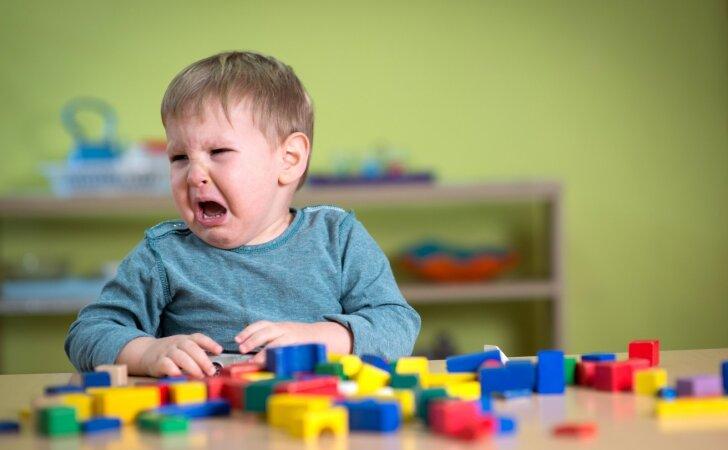 Kaip nesuklysti renkantis vaikų darželį: patarimai iš asmeninės patirties