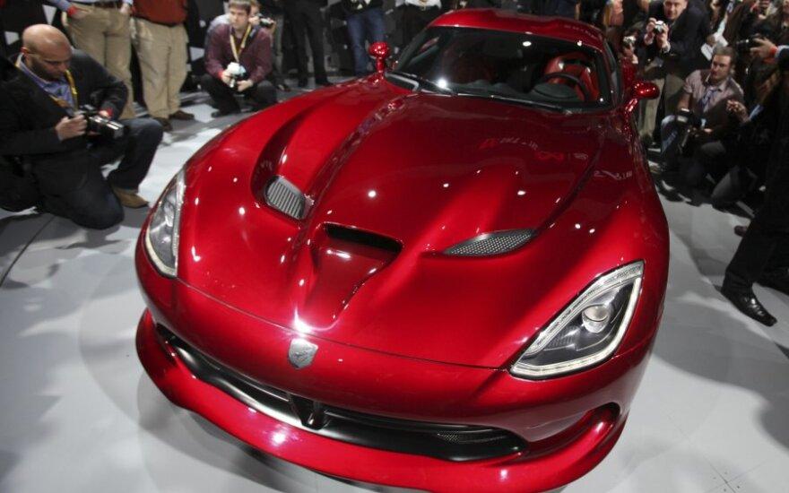 Cуперкар SRT Viper оказался дешевле своего основного конкурента