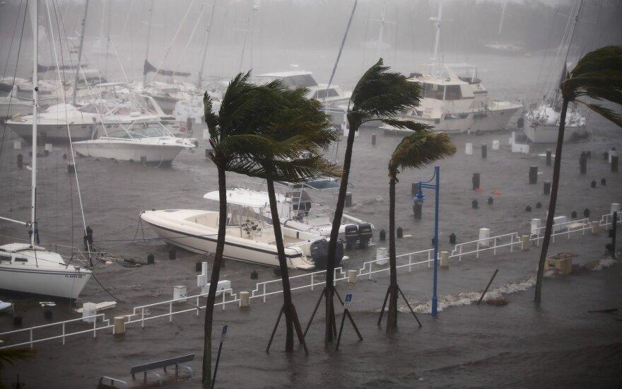 """Floridą niokoja uraganas """"Irma"""""""