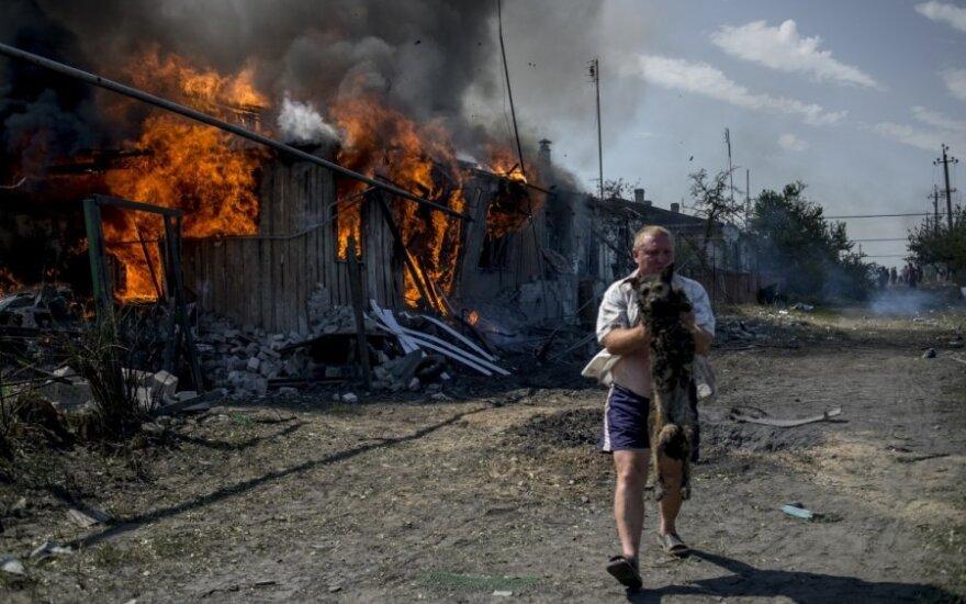 МО: террористы обстреливают жилые кварталы Луганска
