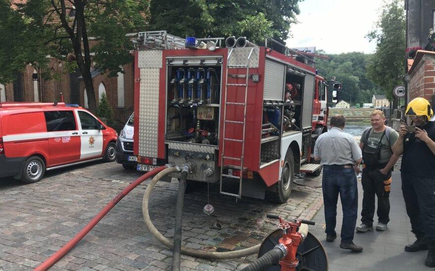 В Каунасе горел храм, на пожарище работали большие наряды пожарных