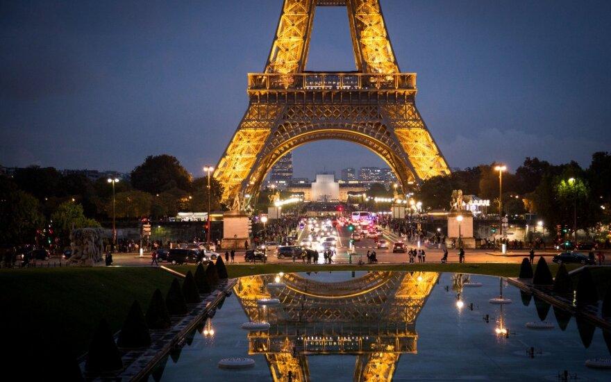 Прокуратура Франции начала расследование нападения у Эйфелевой башни