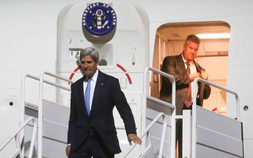 Johnas Kerry atskrido į Vilnių