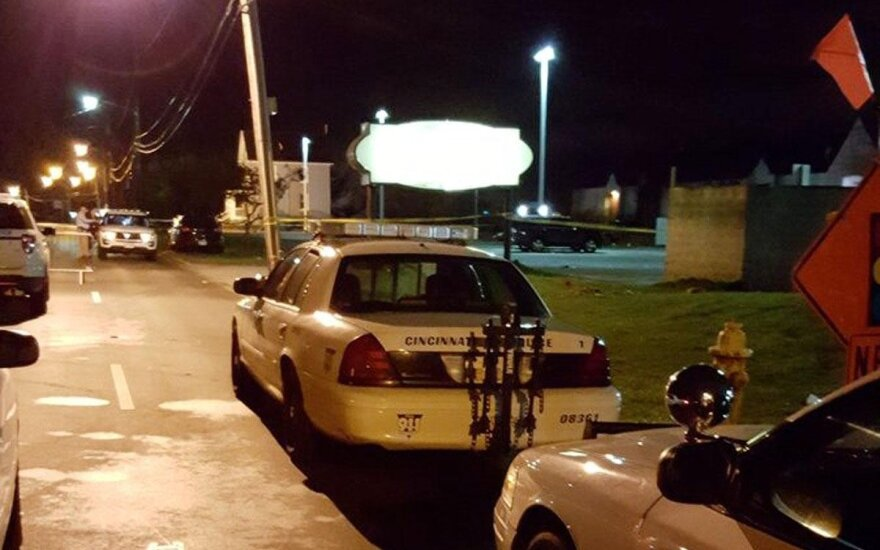 Ohajo naktiniame klube nušautas vienas žmogus, sužeista mažiausiai 15