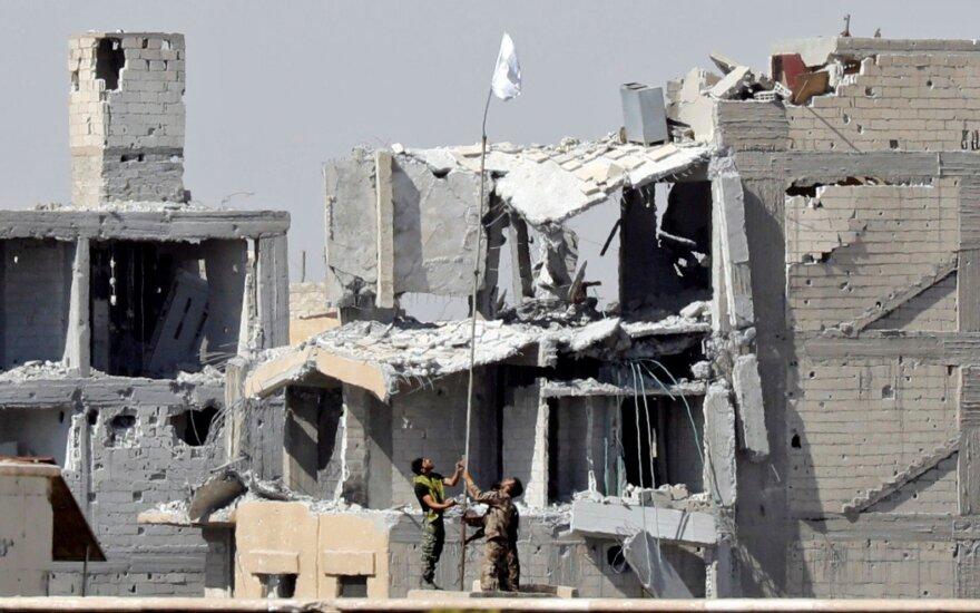 За года боевых действий в Сирии за год погибли 39 000 человек