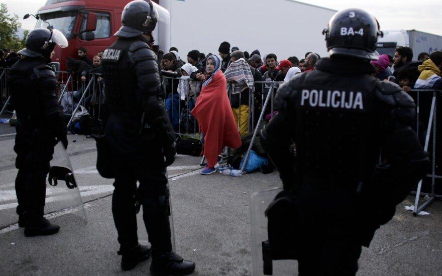 Словения подключила армию, чтобы сдержать наплыв беженцев