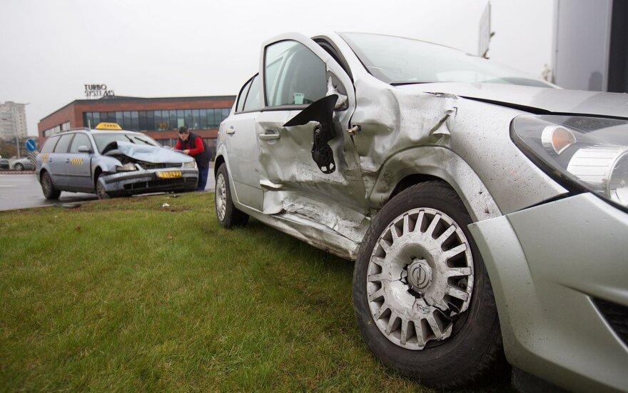 В Вильнюсе в аварии пострадала беременная женщина