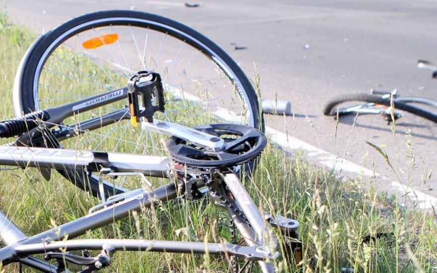 Сбивший насмерть велосипедиста водитель сбежал и спрятал автомобиль