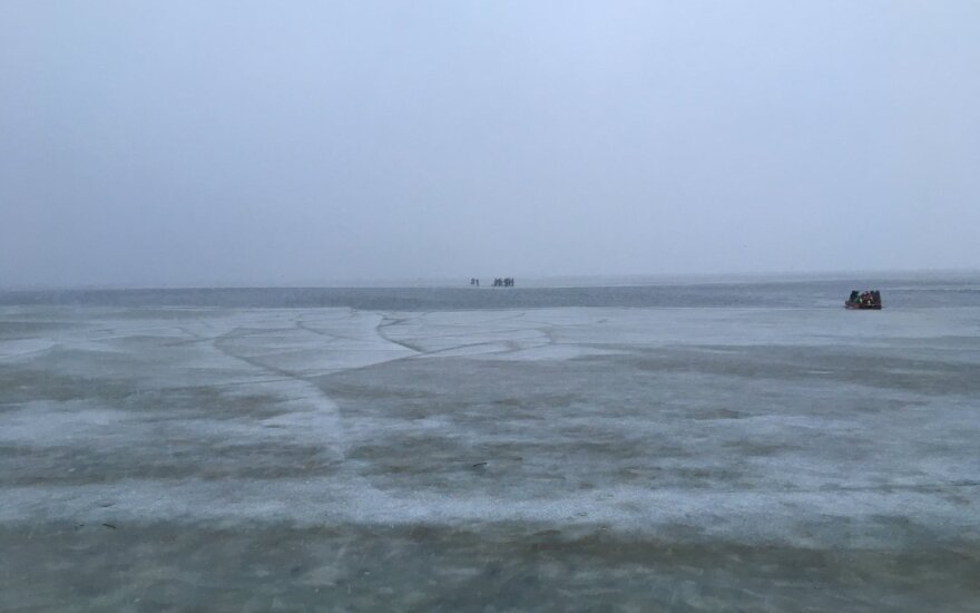 Из России в Литву пришел пустой прогулочный катер