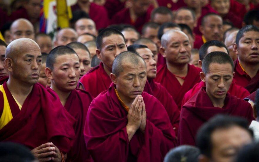 Indijoje tūkstančiai žmonių susirinko į susideginusio tibetiečio laidotuves